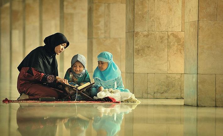 Empat Nilai Alquran yang Wajib Haqers Tanamkan Pada Anak